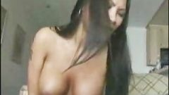 Asian_amateur_chick_screaming_on_the_sybian