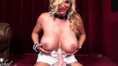 Rachel Rides Sybian And Jizzes All Over